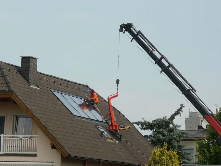 Indach-Montage einer Photovoltaikanlage