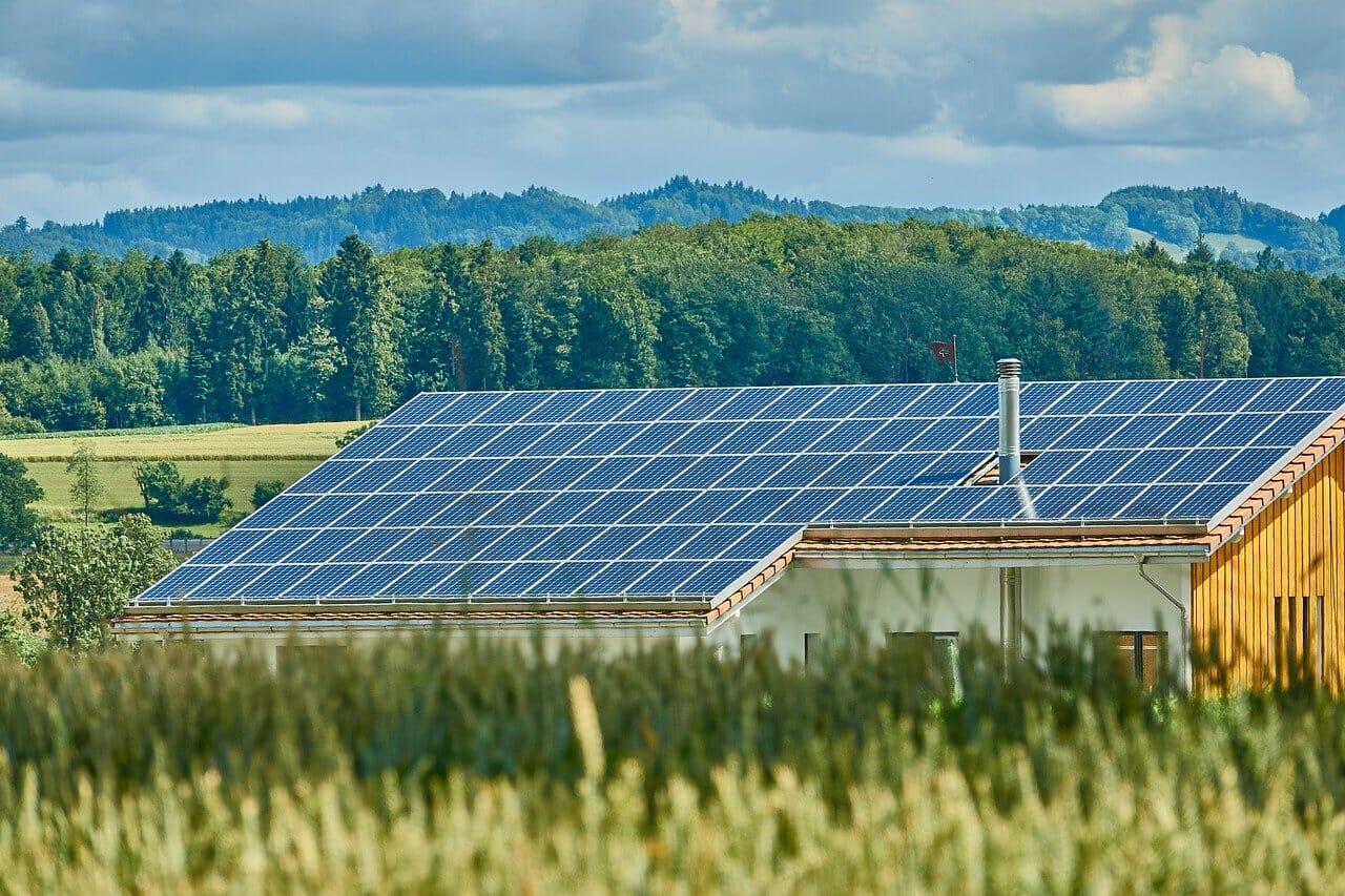 Solaranlage großes Dach